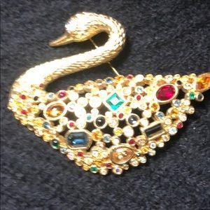 Swarovski Signed Crystal Swan Pin